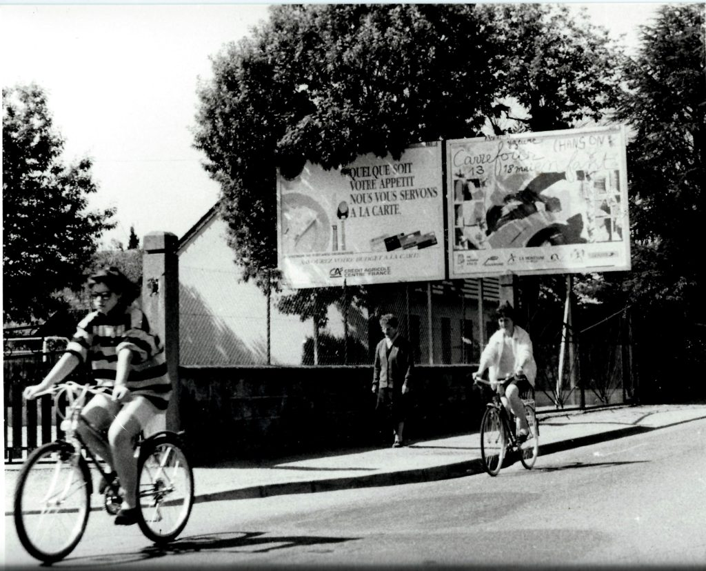 """1991 : Création de l'affiche du """"Carrefour Chanson Enfant"""" à Yzeure."""